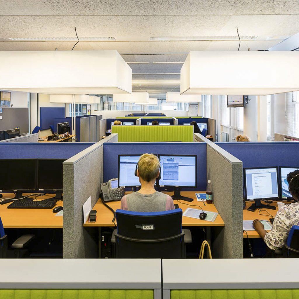 Autobedrijf Hekkert Heerlen; inrichting met 'Floats' en modulaire cabine.